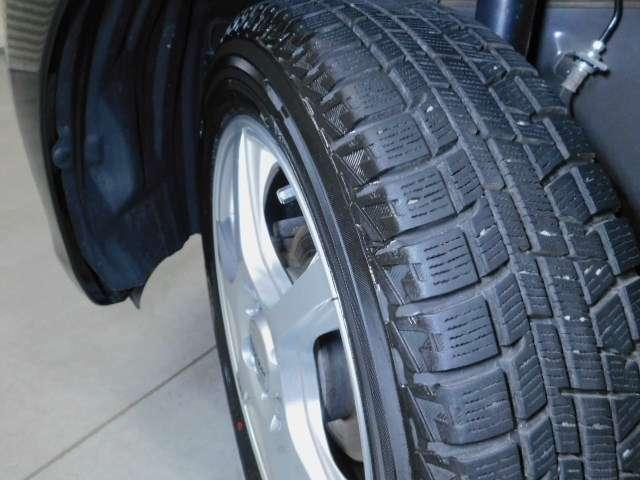 冬タイヤは社外14インチアルミホイール付です。