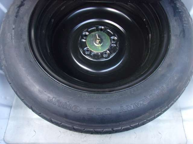 純正の専用工具・応急タイヤも揃っています。 ご遠方の場合でも、下取り車両の金額を概算でお出しすることは可能でございます。車検証をお手元に、走行距離をご確認の上お問い合わせください。
