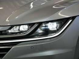 LEDヘッドライト(オートハイコントロール機能/LEDポジションランプ/LEDターンシグナル付)☆関東最大級のAudi・VW専門店!豊富な専門知識・経験で納車後もサポートさせていただきます☆
