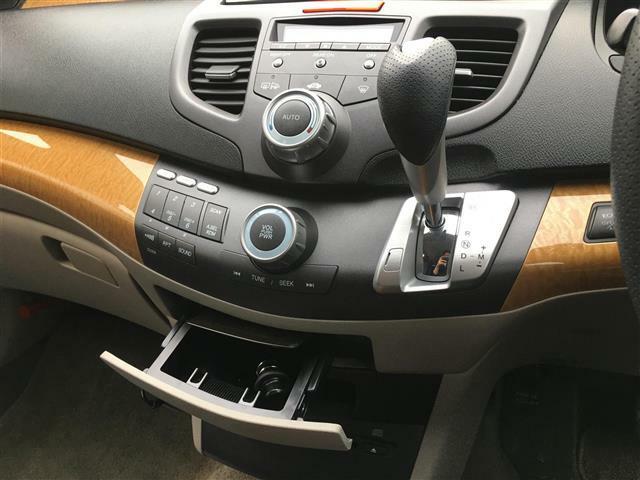支払総額に含まれる整備費用は車検に通る最低限の整備です。予防整備、お客さまのご希望の整備に関しては別料金となります。(例:バッテリー、タイヤ、ブレーキパッドなど)