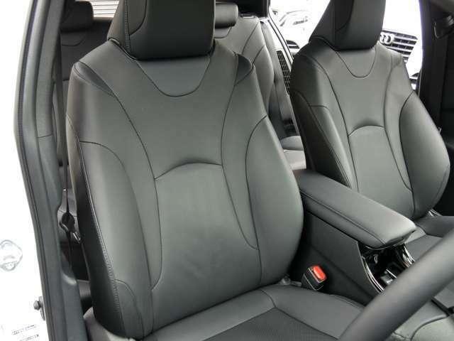 運転席・黒革シート・パワーシート・シートヒーター。