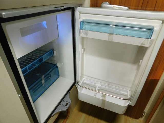 ドメティックDC12V冷蔵庫47L