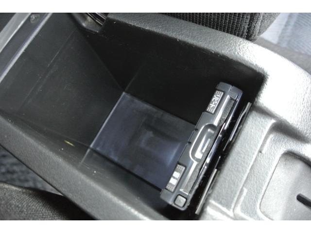 高速道路で便利なETCも装着されています。