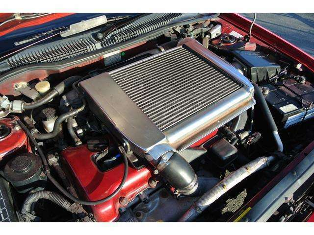 SR20DET型・直4 DOHCターボ●排気量:1998cc●最大出力:230ps/6400rpm ●最大トルク:29.0kgm/4800rpm