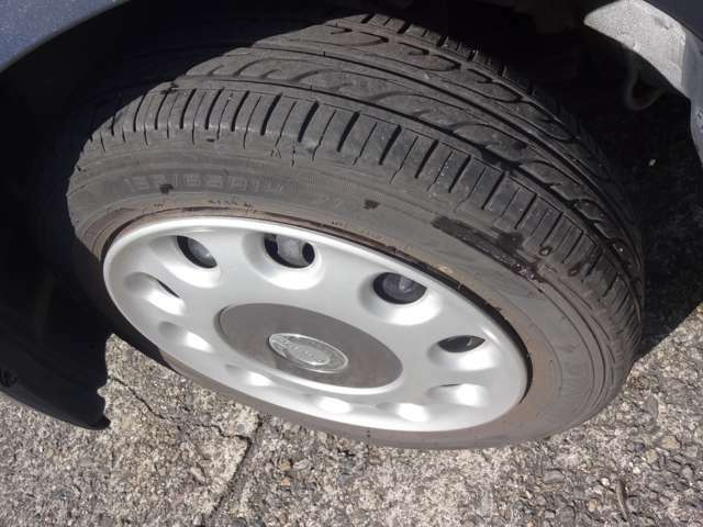 タイヤも溝あり・まだまだお使いいただけます。