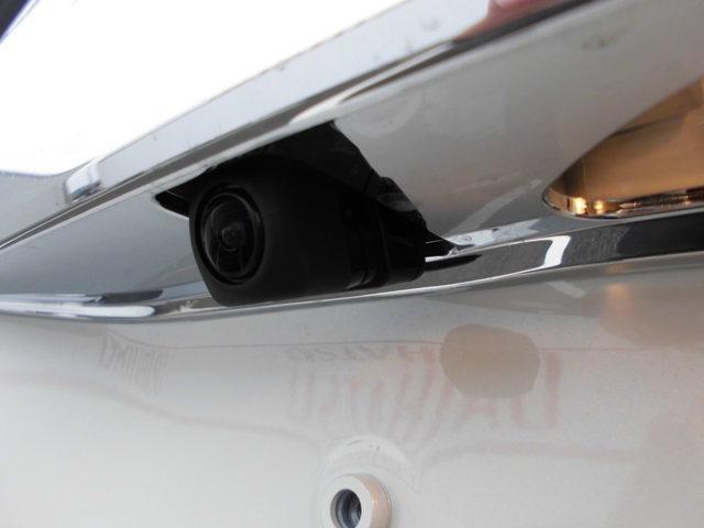 純正バックカメラ付きで駐車が苦手な方も安心です♪