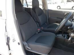 運転席・助手席はもちろんキレイな状態です。