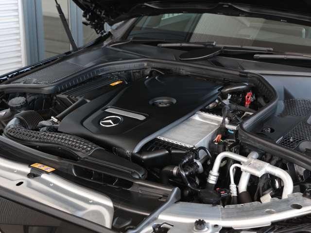〈認定中古車保証プラス〉走行距離無制限で万一の故障の修理からドライブ中のトラブルの際のサポートまで、お客様に更なる安心を無料でご提供する、認定中古車専用の保証プログラムです。