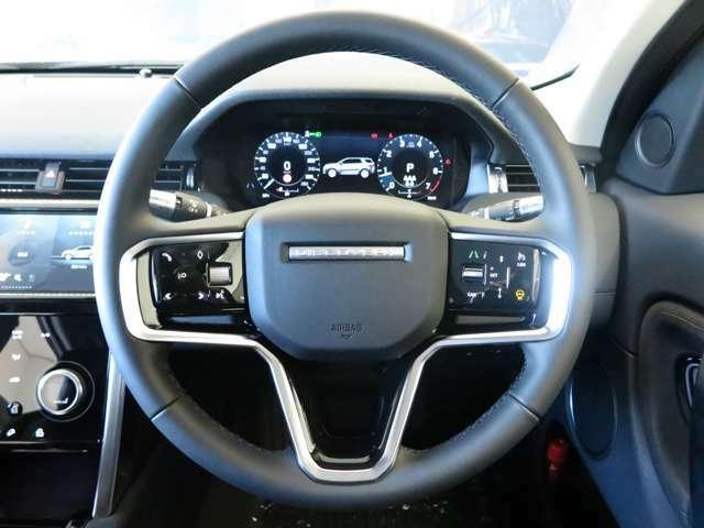 【レーンキープアシスト】「長距離ドライブなどの安全性を高めるシステム。 レーンキープアシストは、意図せず車線から逸脱しそうになると、自動的にステアリングを制御して車線維持をアシストします。」