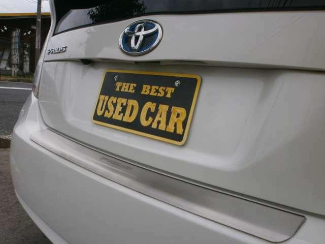 価格は安いですが、非常に程度の良い綺麗な車です。価格以上の価値はあると思います。オートローンも可能で、事前審査も行なっているので、気軽にご相談ください。