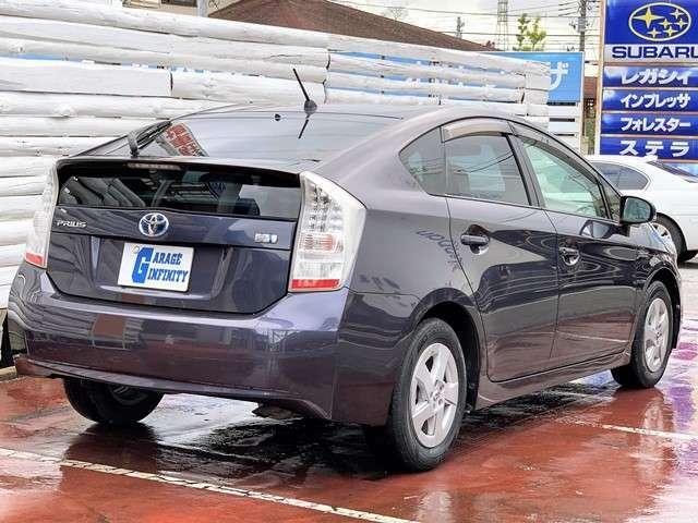 低燃費車の頂点を極めるプリウス♪本当に燃費の良さにびっくりします♪欲しいと思った時が買い時です♪ぜひお店に見にいらしてくださいね♪
