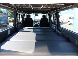 ベッドキットは高さ調整可能!セカンドシートの高さに合わせれば背の高い方も余裕で横になれますよ♪