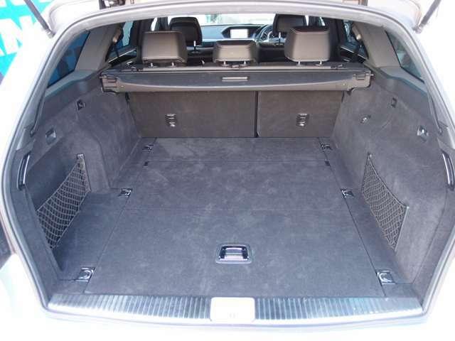 分割可倒式リアシート付きのトランクは、広く使えて、とても便利 お問い合わせください 0078-6002-224530