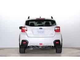 最低地上高も本格SUV並の200mm!!、あらゆる悪路において安心して走行できます。