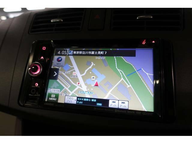 ナビゲーションが装備されております。タッチパネルですので操作がしやすいです。ご旅行やドライブの時に大活躍します。