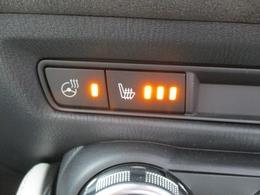 ■ステアリングヒーターにシートヒーター付き。これからの季節に重宝しますね!