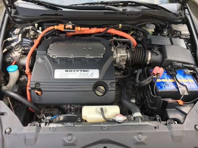 希少!V6+HYBRIDエンジン