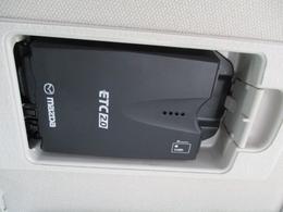 ■スマートインETCバイザー裏に収納できるスマートインETC!カードの出し入れしやすい場所&人目に触れないので安心です♪