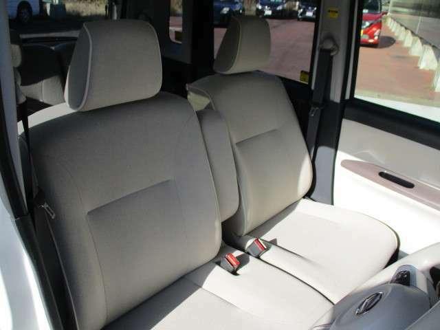 フロントシートです。座り心地もバッチリです。