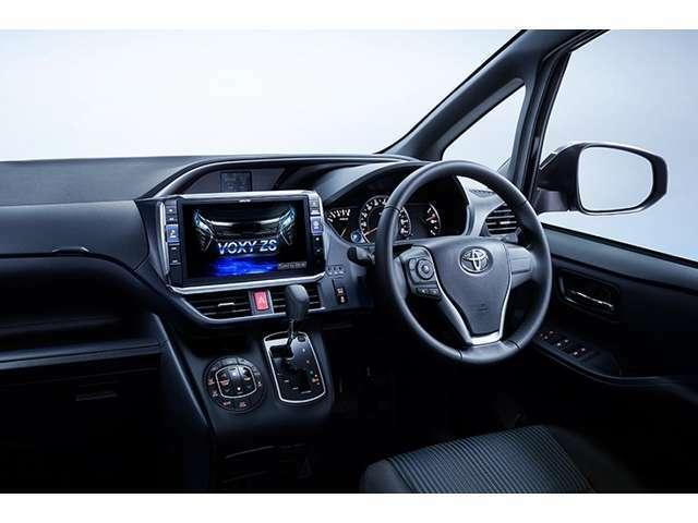 Bプラン画像:セレナ専用に設計された大画面11インチ「ビッグX11」。11型大画面の迫力だけでなく、美しい画質や搭乗者からの見やすさ・触りやすさも配慮し快適なドライブをサポートします。