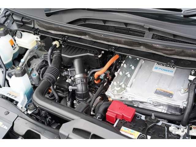 新車ROWENコンプリートカー販売となります。装着品はすべて新品パーツを装着しております。セレナハイウエイスターV e-パワーグレードとなります。ROWENエアロパーツ!BLITZ車高調!