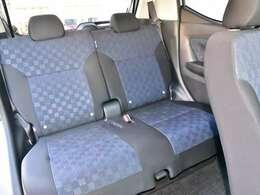 後部座席まわりです。実際に座ってみて乗り心地を体感してみて下さい。