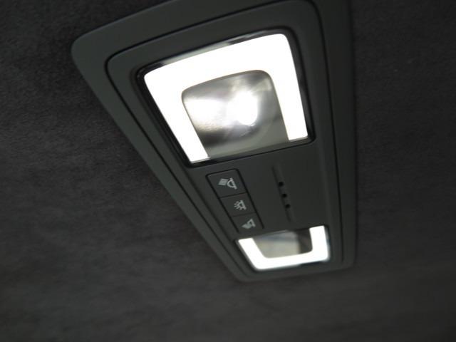 マークレビンソン・SDナビ/フルセグ・パノラミックビューモニター・ETC・本革/電動シート・シートエアコン・サンルーフ・LEDライト・レーダークルーズ・電動リアゲート・禁煙車・etc…