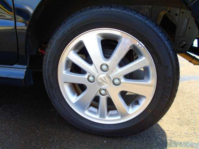 ホイールもまるで新品のような程度です!タイヤの溝もバリ溝♪