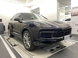 ポルシェ カイエン 3.0 ティプトロニックS 4WD 新車保証継承スポクロLEDパノラマルーフ
