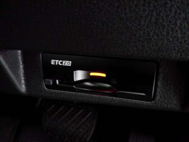 ETCは高速料金所での料金の支払いもスイスイと走ることができます。
