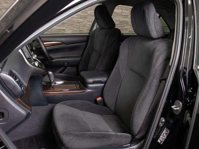 ★今付いているシートを、お好きなカラーの新品本革へ張替え出来ます!車種専用設計でフィッティングも良く、細部まで丁寧に作業します!50色から選択OK!詳細はスタッフまでお気軽に!