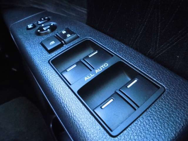 当社の展示車は全てメーター管理システム実施済みです!実走行を保証します。安心もお届けしたいです。0120-07-1190