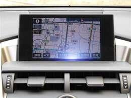 基本性能充実のメモリーナビ(フルセグテレビ付)を搭載!!初めての道や遠出でも安心です♪