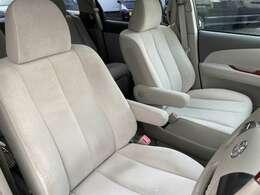 運転席!シートの擦れや汚れもなく綺麗な状態です!