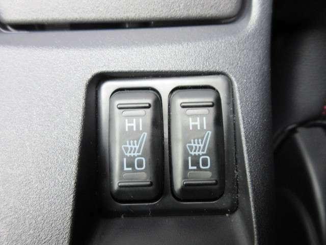 運転席、助手席シートヒーター機能付き♪冬場も暖かく快適なドライブができます♪
