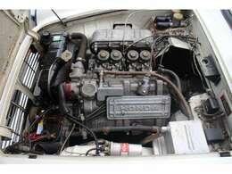 エンジンは、S500の533cc 水冷4サイクル 4気筒 DOHC 4連キャブレター仕様をベースに、ボア&ストロークの拡大により排気量を606ccとしたものを搭載
