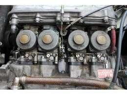 ●エンジン型式AS285E型●エンジン種類水冷直列4気筒DOHC●総排気量606cc●ボア×ストローク54.5×65.0mm●圧縮比9.5:1●出力57ps/8500rpm
