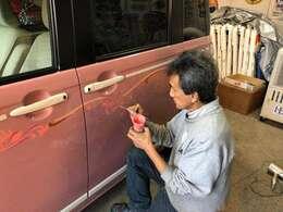 世界的に有名なワイルドマン石井氏の直接施行車!ショーネームはPINK BASKET×CANBUS='PINK BUSKET''両サイドドアに大きな証が!