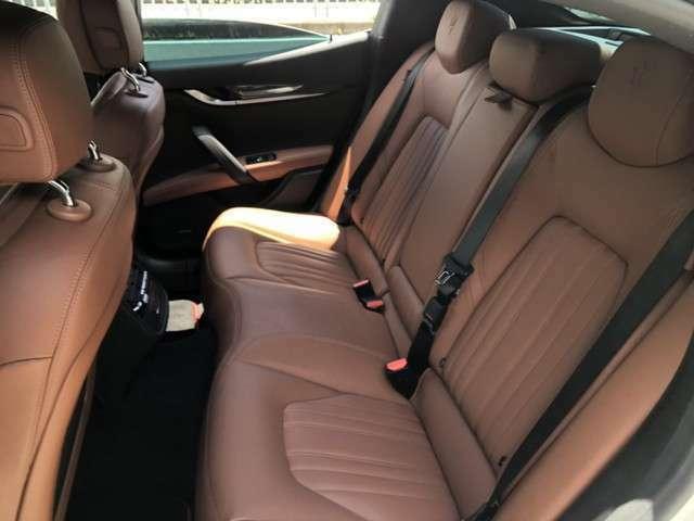 ★後部座席も非常に良い状態です。リアサンシェードも付いております。