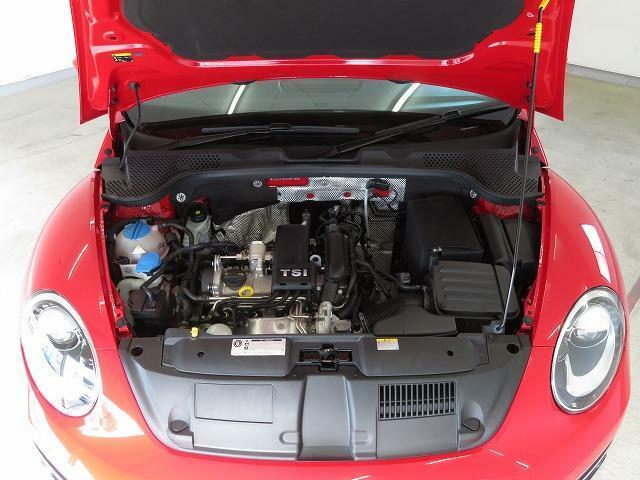 1.2L TSI エンジンと7速DSGトランスミッション:この2つが高い効率による燃費性能と滑らかな加速を実現しました。