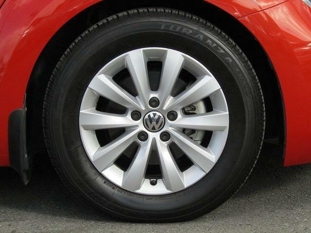 21560R16タイヤ 6.5J×16アルミホイールを装着しています。