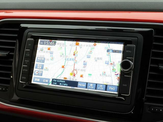 Volkswagen純正ナビゲージョンシステム「716SDCW」自然な対話で目的地を設定できる音声認識技術に対応したAVナビゲーションシステム。