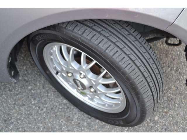 タイヤ残り溝も十分ございます。