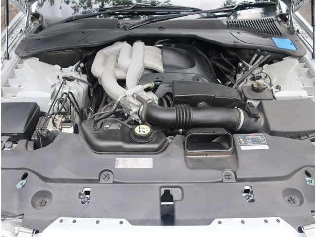 ご納車前に点検整備を実施し、認証工場の記録簿をお付けするのでご安心ください KMU424