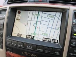 純正HDDナビが装備されております♪画面もクリアで運転中も確認しやすいです♪カラーバックカメラも装備されております♪後方の障害物や停止位置の確認にとても便利です♪