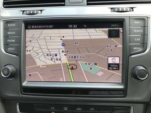 Discover Pro(Volkswagen純正インフォテイメントシステム)ナビゲーションをはじめ、オーディオや車両情報を集約。スマートフォン感覚で直感的に操作ができ、使いやすい!