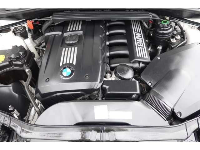 BMWといえばちょくれつ6気筒NAエンジンです!高回転までスムーズにイッキにまわるフォーリングは感動モノです!コンディションも良く、思いっきりBMWの走りを楽しんで下さい!