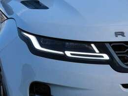 R-Dynamic SEにはプレミアムLEDヘッドランプ(マトリクスLEDヘッドランプ)を標準装備しています!デイタイムランニングライト、インテリジェントハイビーム搭載!
