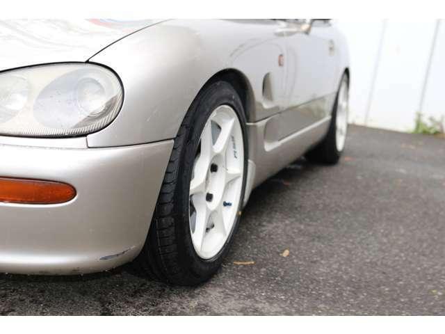 4輪車高調整キット付きでお得!!低い車高がカッコいいですね!