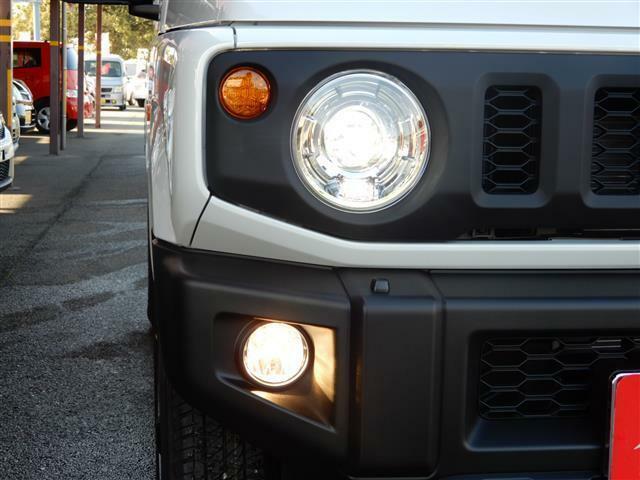 霧が発生した道路での運転もフォグライトが付いてれば大丈夫!いち早く対向車に自分の存在を知らせる事ができます!!